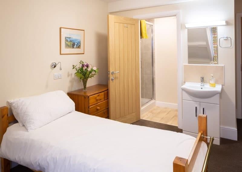 5 day silent retreat 2020 venue bedroom