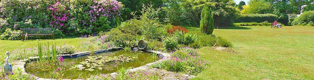 women's silent retreat venue garden in england 2020