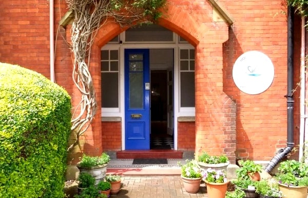 Silent retreat in London venue doorway